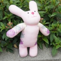 創作款:愛心小兔