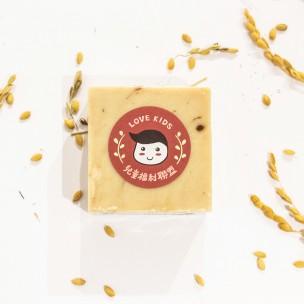 愛心手工皂 │ 蜂蜜燕麥手工皂